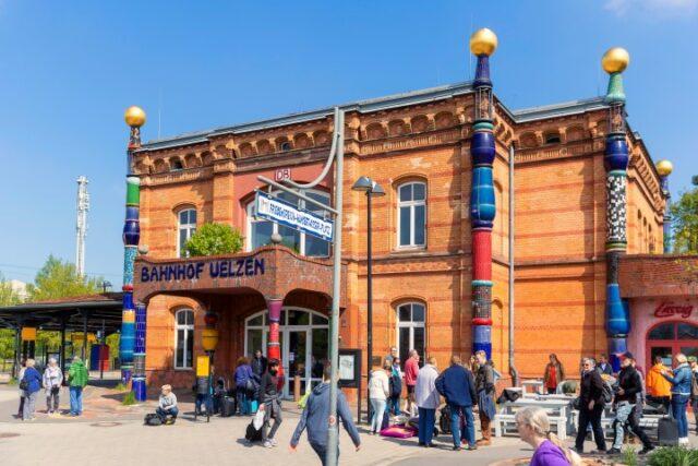 Hundertwasser Bahnhof © O. Huchthausen