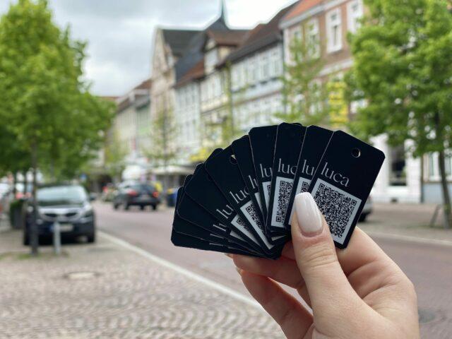 Luca-Schlüsselanhänger sind beim Stadtmarketing Uelzen eingetroffen