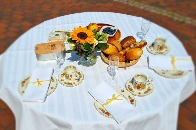 Frühstückstisch Vitalfrühstück (c) Tourist-Information Uelzen